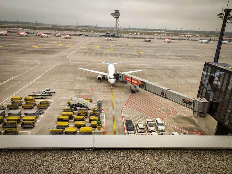 lotnisko berlin brandenburg, taras widokowy ber, taras na lotnisku berlin brandenburg, follow me, interglobus, szczecin berlin