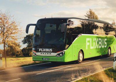 Flixbus wznawia kursy w Wielkiej Brytanii.